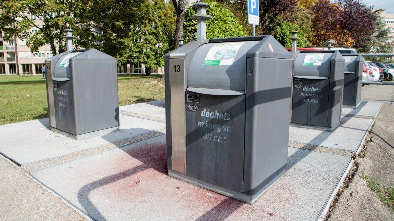 Raymond Carrard rappelle que la généralisation des conteneurs enterrés à Nyon était une mesure préconisée  il y a cinq ans lors du vote du préavis sur le concept de gestion des déchets.