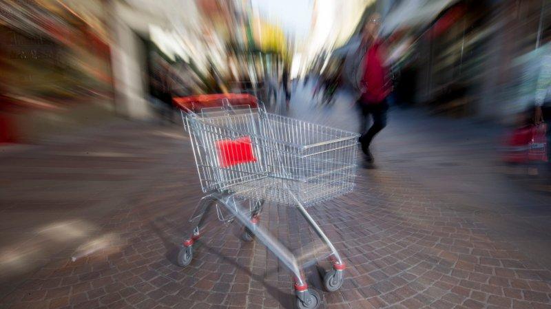 Des caddies au parking Perdtemps pour que les automobilistes fassent leurs courses plus facilement dans  les commerces du centre-ville? Un élu a lancé l'idée. Elle suscite des avis divergents.