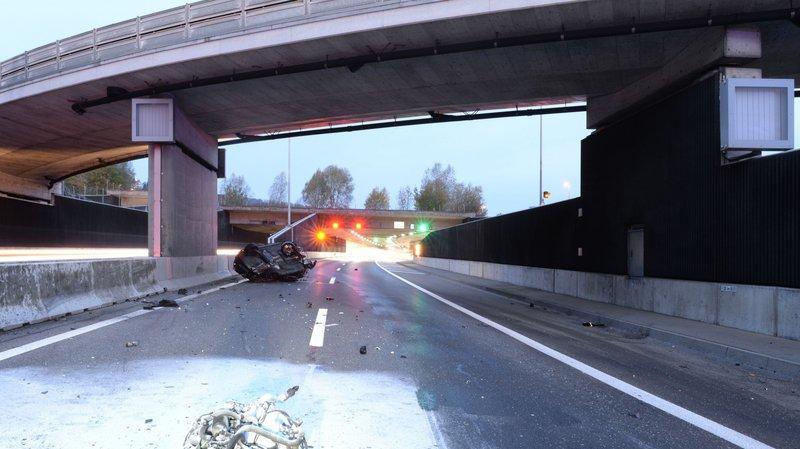 Lucerne: un automobiliste fait une chute de 8 mètres depuis un pont qui enjambe l'autoroute A2