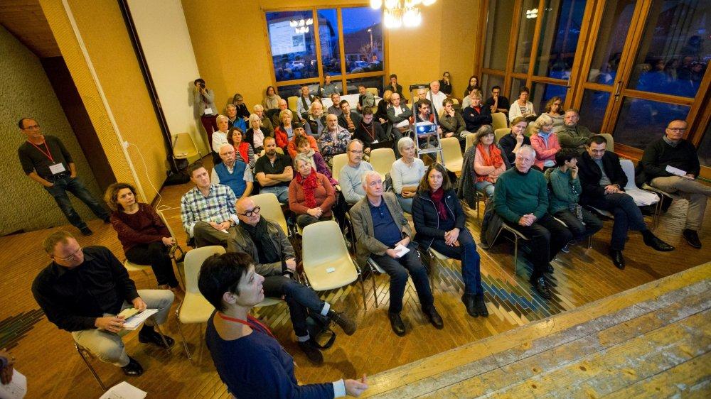 Une cinquantaine de personnes étaient présentes à la séance d'information organisée sur la démarche novatrice d'ambassadeur du parc.