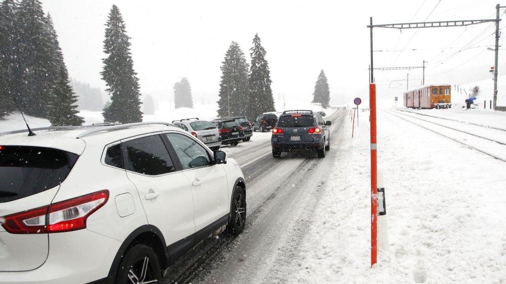 Le nouveau parking permettra de fluidifier la circulation sur la route cantonale les jours d'affluence.