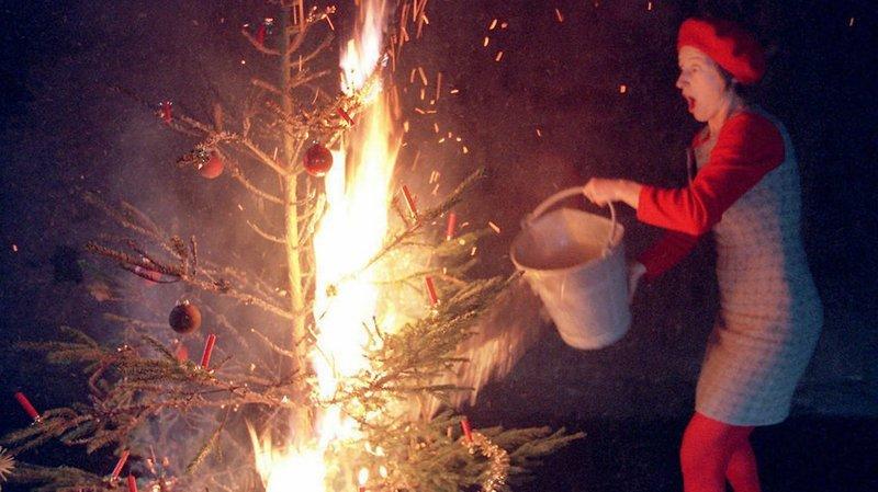 Fêtes de Noël: les précautions à prendre pour éviter un incendie