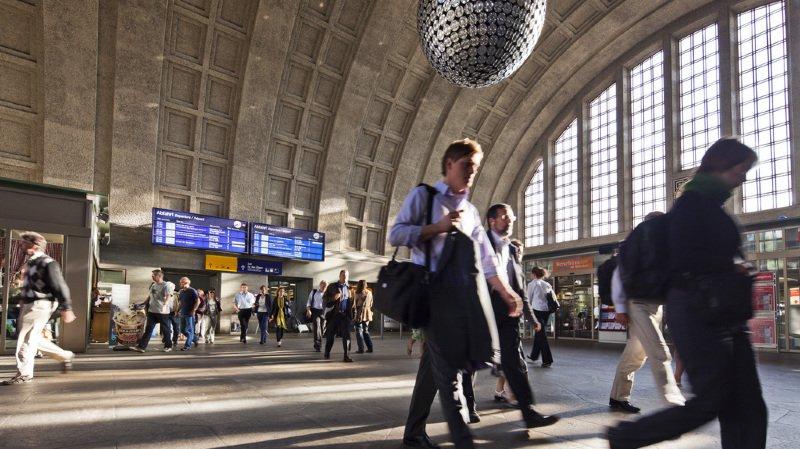 CFF: de nombreux trains encore supprimés suite au déraillement à Bâle