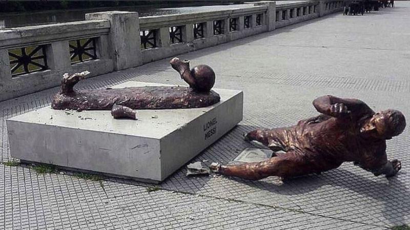 La statue a été vandalisée pour la deuxième fois en une année.