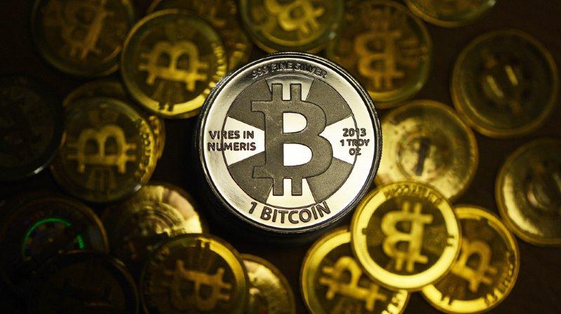 La monnaie virtuelle bitcoin passe pour la première fois la barre des 10'000 dollars
