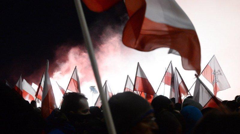 Pologne: des dizaines de milliers de personnes pour une marche nationaliste