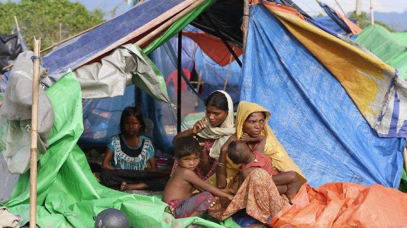 l 39 arm e birmane aurait viol massivement des femmes issues de la communaut rohingya la cour. Black Bedroom Furniture Sets. Home Design Ideas