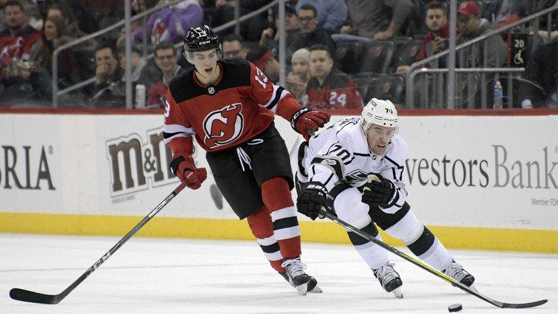Nico Hischier et les Devils se sont imposés 5-1 devant Los Angeles.