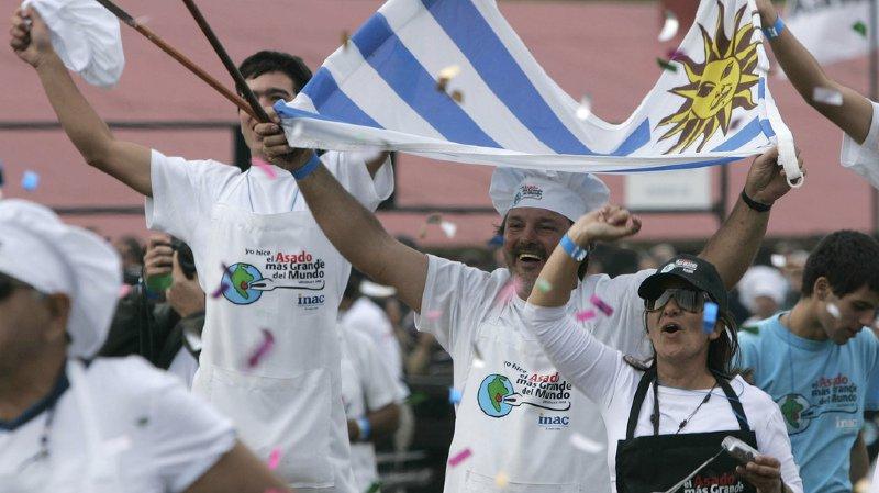 Guinness record: avec plus de 10 tonnes de viande l'Uruguay bat le record du plus grand barbecue au monde