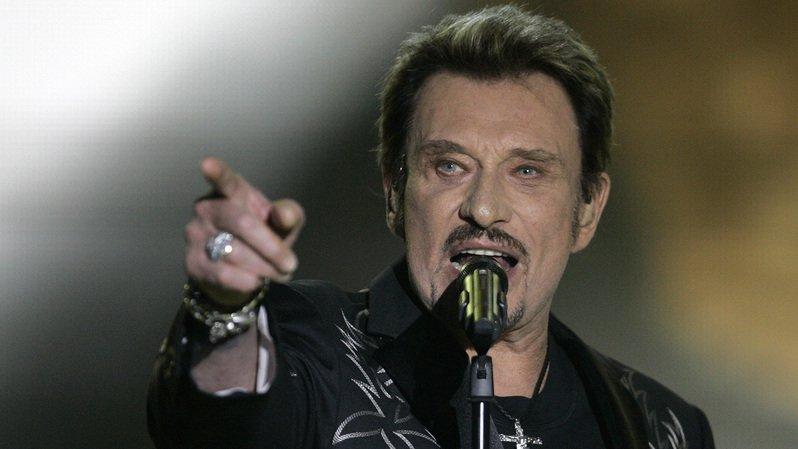 Décès du rockeur français Johnny Hallyday: stars, anonymes, dessinateurs... tout le monde lui rend hommage