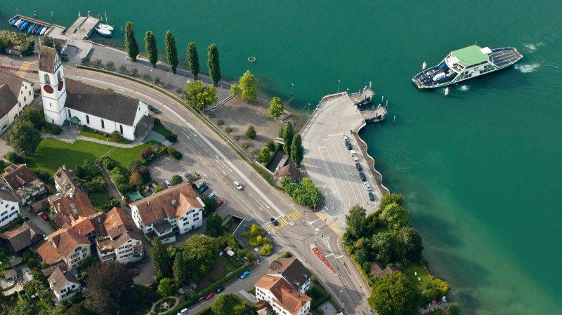 Meilen, au bord du lac de Zurich, est une commune riche.  Le revenu imposable par habitant y est l'un des plus élevés.