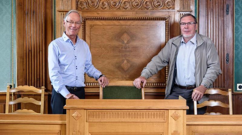 Luc-Etienne Rossier, syndic d'Aubonne (à g.) et Claude Ioset, syndic de Montherod (à dr.),lors de l'annonce que le projet avait redémarré.