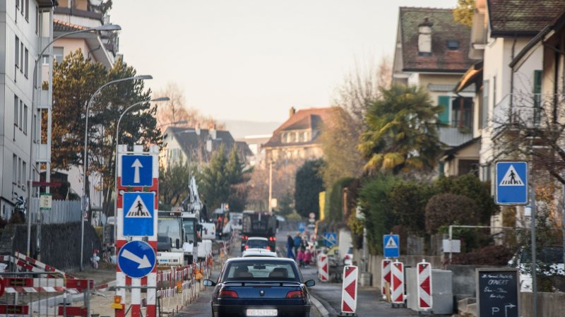 L'avenue est actuellement praticable dans le sens de la montée.