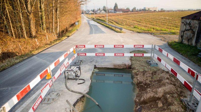A Nyon, la route de Saint-Cergue a dû être fermée en raison d'une rupture de canalisation.