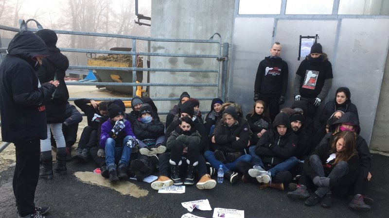 Les activistes antispécistes ont quitté les abattoirs de Vich dans le calme