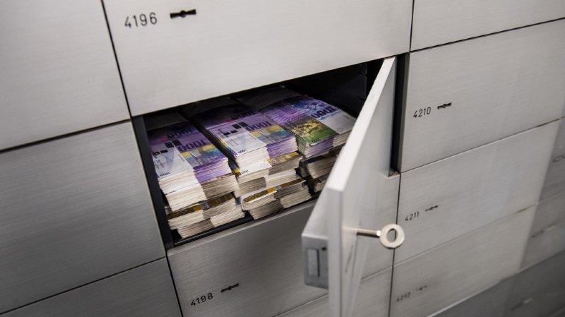 Dans le droit actuel, les cantons ne peuvent pas entendre d'employés de banque ni consulter des données bancaires.
