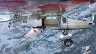 Exploit: ils sautent de la Jungfrau (BE) en basejump et atterrissent dans un avion