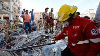 Iran: fin des opérations de secours après le violent séisme de dimanche