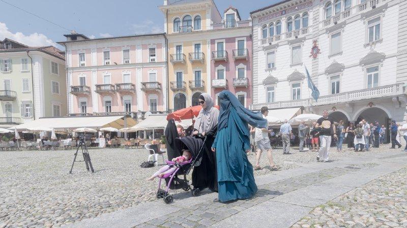 Environ 76% des Suisses approuveraient l'initiative anti-burqa lancée par le comité d'Egerkingen selon un sondage. (illustration)