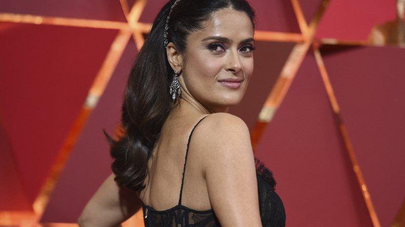 """Afin qu'elle cède à ses avances, Harvey Weinstein aurait dit à Salma Hayek qu'il avait choisi une autre actrice qu'elle pour incarner le rôle principal de """"Frida""""."""