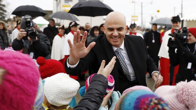 Conseil fédéral: le futur président Alain Berset acclamé en terres fribourgeoises