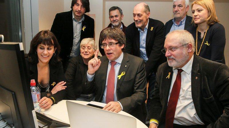 Le dirigeant séparatiste catalan en exil Carles Puigdemont a salué à Bruxelles la victoire du camp indépendantiste.