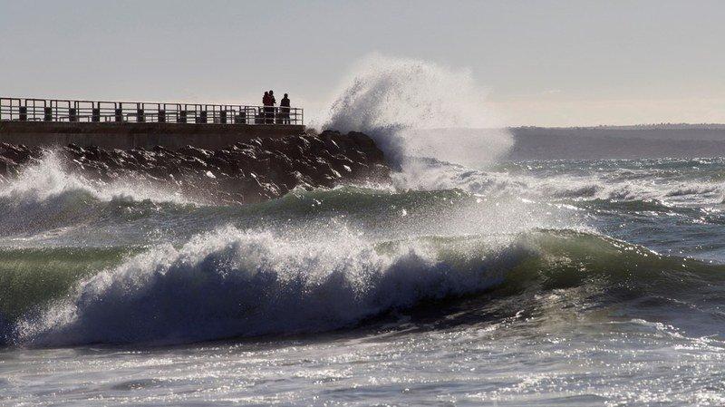 """Espagne: la tempête """"Bruno"""" et ses rafales à 120km/h font deux morts"""