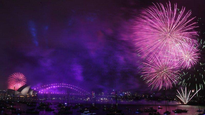 Les feux d'artifice ont embrasé la baie de Sydney, en Australie.