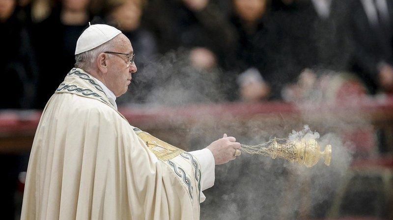 """Le souverain pontife a estimé que les êtres humains avaient """"défraîchi et blessé"""" l'année qui s'achève."""