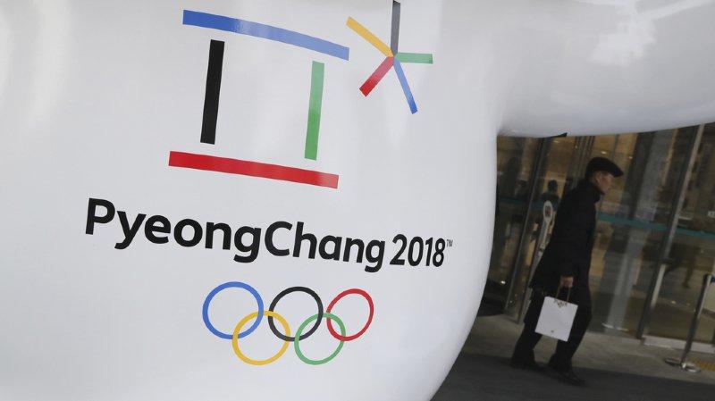 Séoul et les organisateurs des JO souhaitent que Pyongyang participe aux Jeux afin de faire baisser la tension créée dans la péninsule coréenne par les programmes nucléaire et balistique poursuivis par Pyongyang en violation des résolutions de l'ONU.