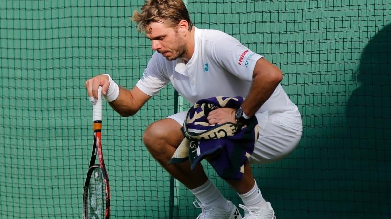 Tennis: son genou n'est pas guéri, Wawrinka abandonne à Marseille