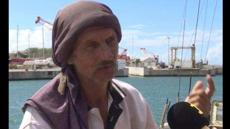 Le marin affirme avoir survécu en mangeant un demi sachet de soupe chinoise par jour, parfois agrémentée par le produit de sa pêche.