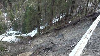 Tempête Eleanor/Burglind: remise en état de la route qui mène à Adelboden