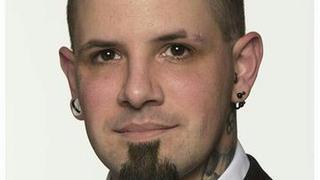 Neuchâtel: le président des Jeunes UDC démissionne à cause d'un tatouage nazi