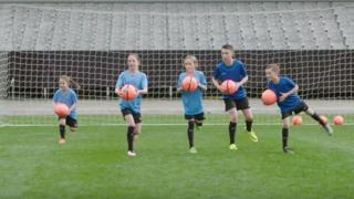 Football: une méthode en sept exercices pour réduire de moitié les blessures