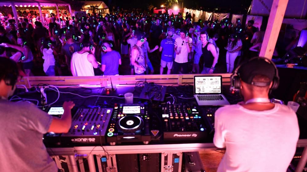 Le choix d'organiser une silent party avait aussi été fait par Yadlo, festival estival à Préverenges.