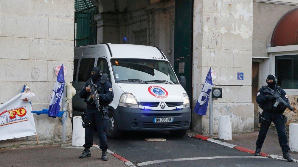 Le procès du «logeur de l'EI» s'est ouvert hier à Paris.