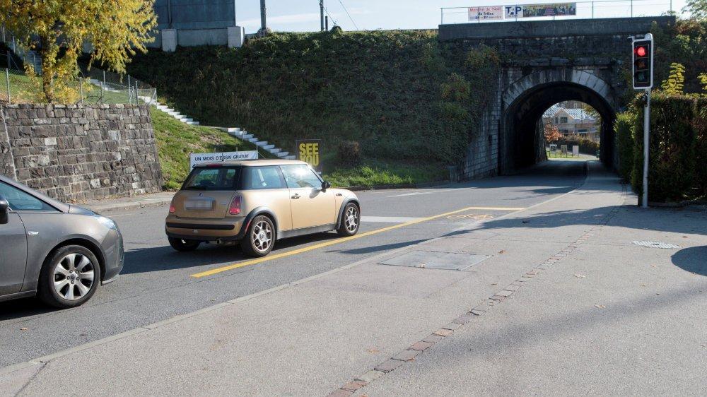 Il y aura une coordination entre la réalisation de la passerelle et l'élargissement du passage inférieur de l'Etraz.