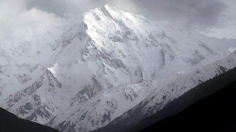 """Himalaya: une Française secourue sur les pentes du Nanga Parbat, la """"montagne tueuse"""""""