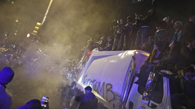 Émeutes à Philadelphie: les fans ont pété les plombs après la finale du Super Bowl