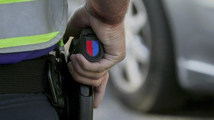 Tessin: un policier se blesse grièvement avec son arme