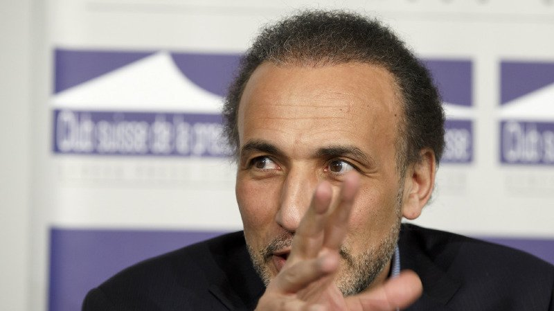 France: mis en examen pour viols, l'islamologue genevois Tariq Ramadan reste prison