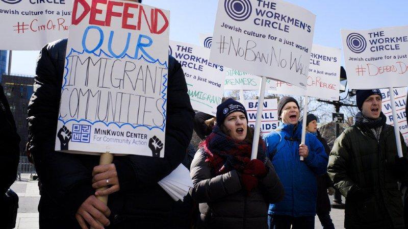 Levée d'interdiction visant les réfugiés d'une dizaine de pays — Immigration aux USA