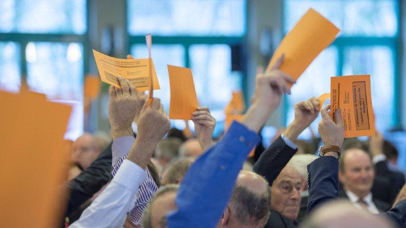 """Assemblée des délégués: l'UDC approuve massivement l'initiative """"No Billag"""""""