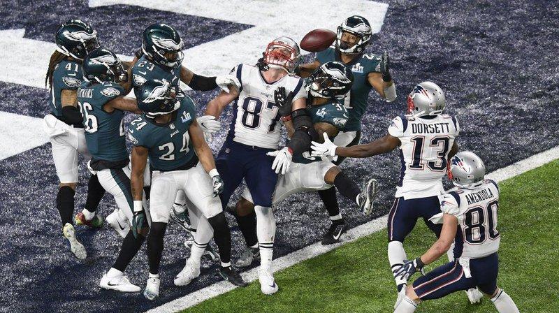 Super Bowl: les Eagles créent la surprise en s'imposant face aux Patriots