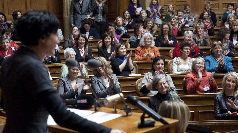 Egalité des sexes: la part des femmes dans les parlements stagne en 2017