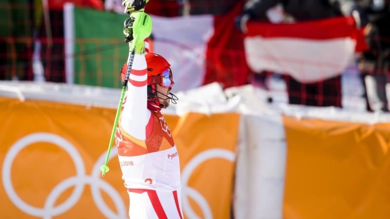 L'Autrichien Marcel Hirscher peut lever les bras au ciel.