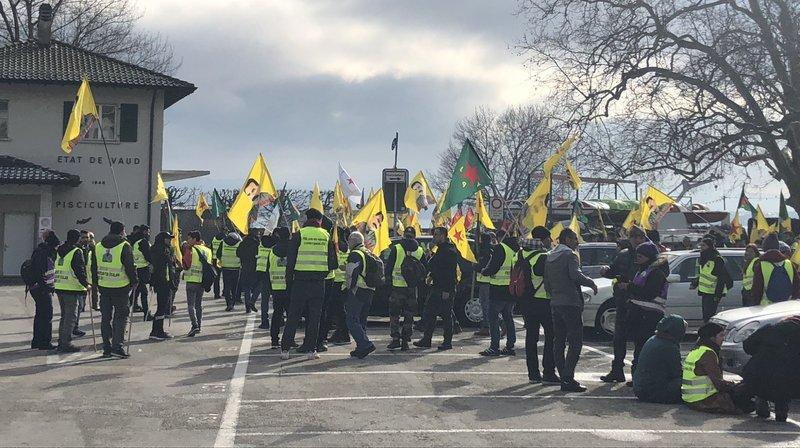 Les manifestants se sont arrêtés sur le parking de Rive, à Nyon