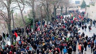 Manifestants antifascistes par milliers à Macerata