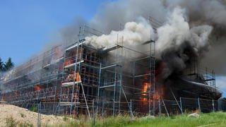 Les charpentiers qui ont déclenché l'incendie de Le Vaud réfutent toute négligence